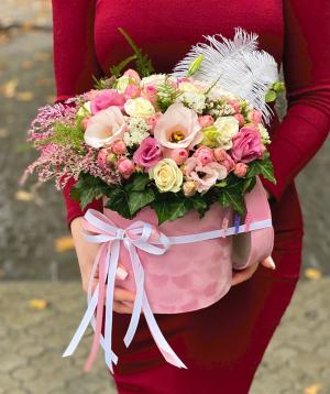 Կոմպոզիցիա «Կրեթեյ » վարդերով և լիզիանտուսներվ