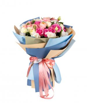 Bouquet `Tashkent` of roses, peony roses with lisianthus