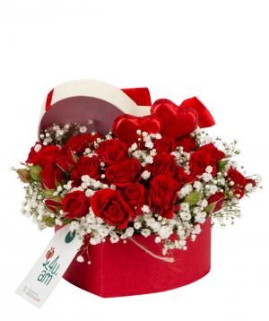 Կոմպոզիցիա «Սան Դիեգո» շոկոլադով, վարդերով և գիպսոֆիլիաներով