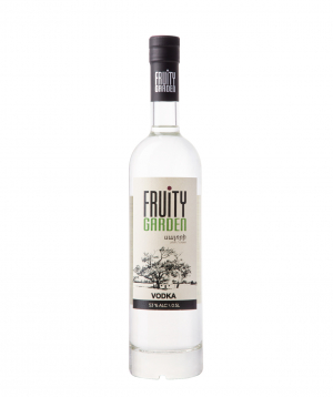 Vodka `Fruity Garden` plum 500 ml