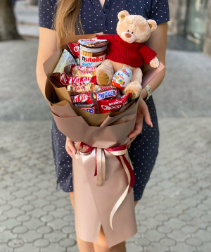 Composition `Kasorla` with sweets and soft toy
