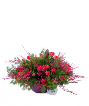 Կոմպոզիցիա «Լոնկոպե» վարդերով և դաշտային ծաղիկներով