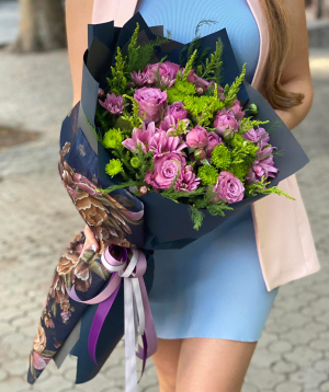 """Bouquet """"Guben"""" with roses and chrysanthemums"""