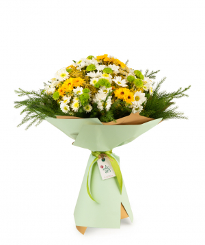 Bouquet `Burnaby` with chrysanthemums