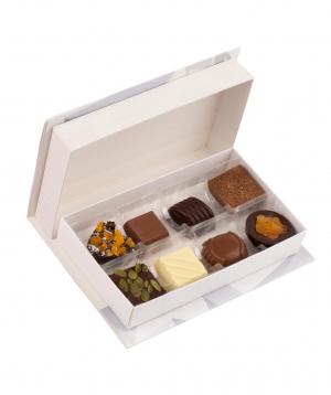 Տուփ «Gourme Dourme» շոկոլադե կոնֆետներով, սեր