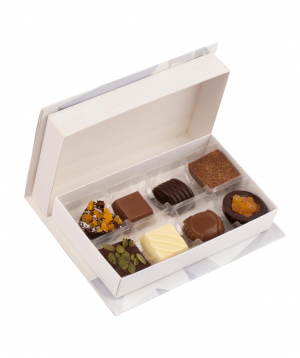 Box `Gourme Dourme` with chocolate candies, love