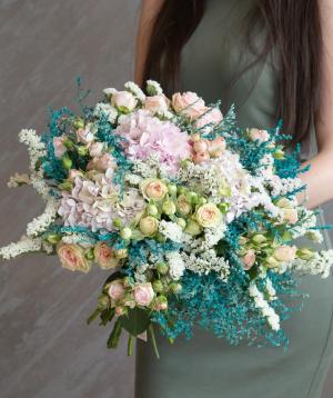 "Bouquet ""Pedezina"" with spray roses and hydrangeas"