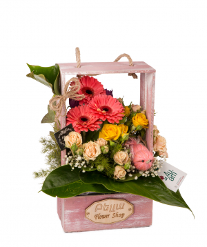 """Composition """"Arlon"""" with roses and gerberas"""