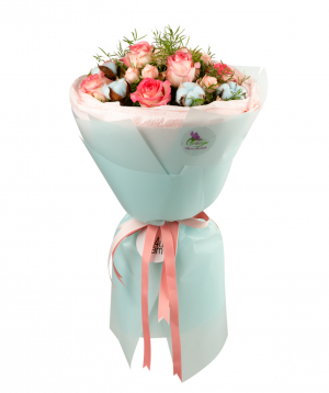Bouquet `Anjar` with roses and cotton
